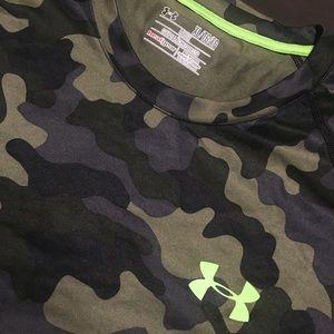 Under Armour Heat Gear Loose Fit Camo Shirt